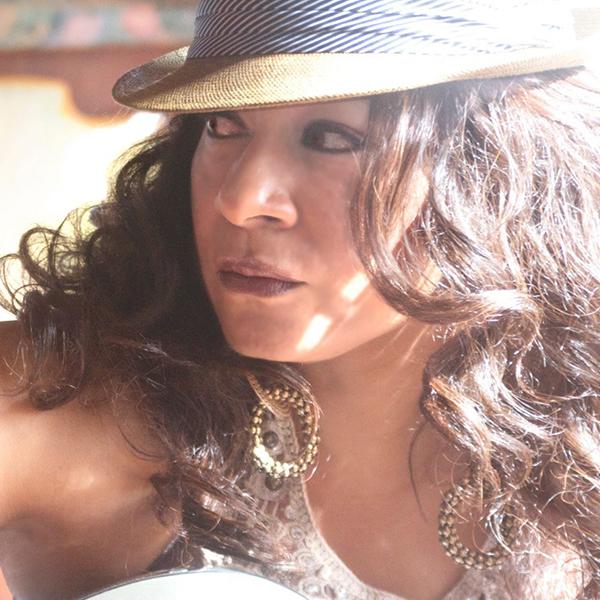 Thea Austin | Platinum House and Soul Singer